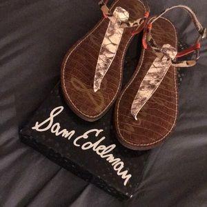 Sandals size 10